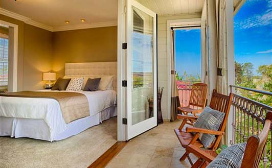 SeaBreeze Vacation Rentals manages about 40 homes in La Jolla - including this one: Bella Vista.
