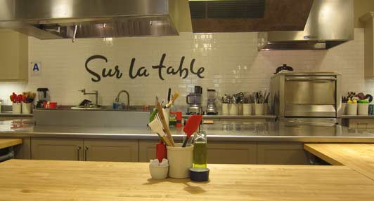 The classroom at Sur La Table La Jolla is comfortable and attractive.
